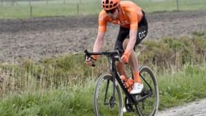 """""""Waardevolle knecht"""" van Greg Van Avermaet beloond voor harde werk: Nathan Van Hooydonck krijgt nieuw contract bij CCC"""