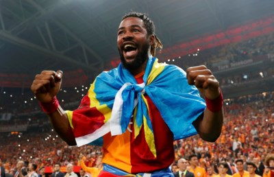 """Straffe remonte in Turkije, waar Galatasaray dankzij enkele oude bekenden alsnog kampioen werd: """"Kunst- en vliegwerk"""""""