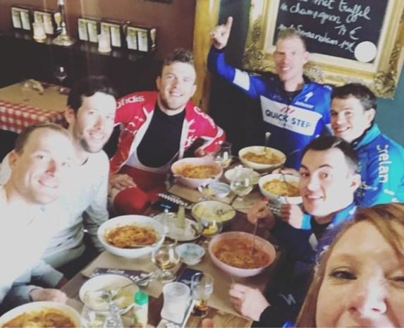 """Steeds meer renners kiezen voor alternatieven, maar pasta is nog niet helemaal passé: """"Alle dagen rijst, geen mens houdt dat vol"""""""