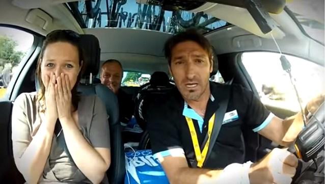 VTM nieuws hangt camera's in auto's politici