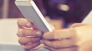 """""""Wat is een juist tempo van berichtjes sturen als je iemand hebt leren kennen?"""" Relatietherapeute Rika Ponnet geeft raad"""