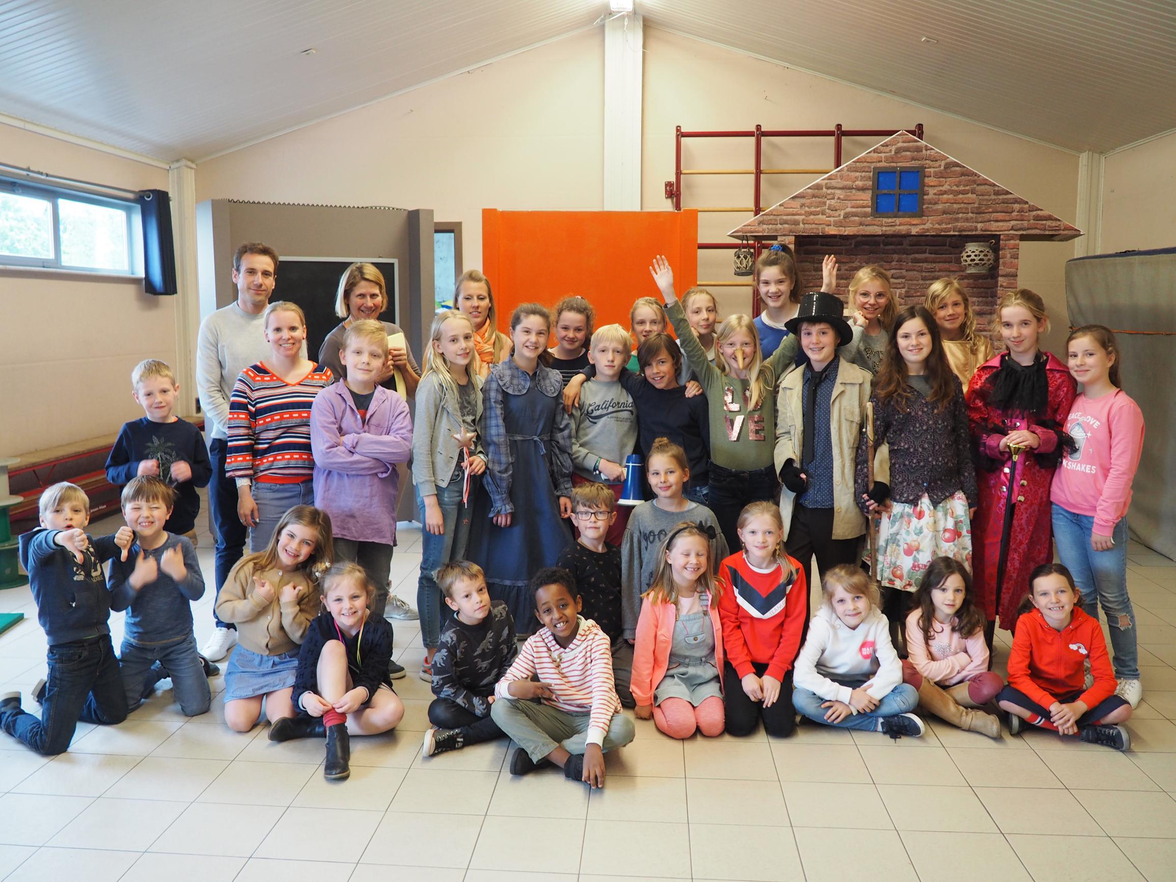Leerlingen Van Vrije Basisschool Blazen 'Pinokkio' Nieuw