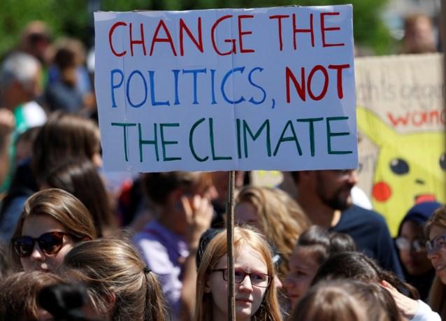 """7.500 deelnemers voor laatste klimaatmars, Anuna blikt tevreden terug: """"Wij konden het echt niet beter doen"""""""