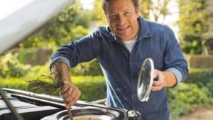 Hij moest 1.300 mensen ontslaan, maar zo rijk leven Jamie Oliver en zijn vrouw