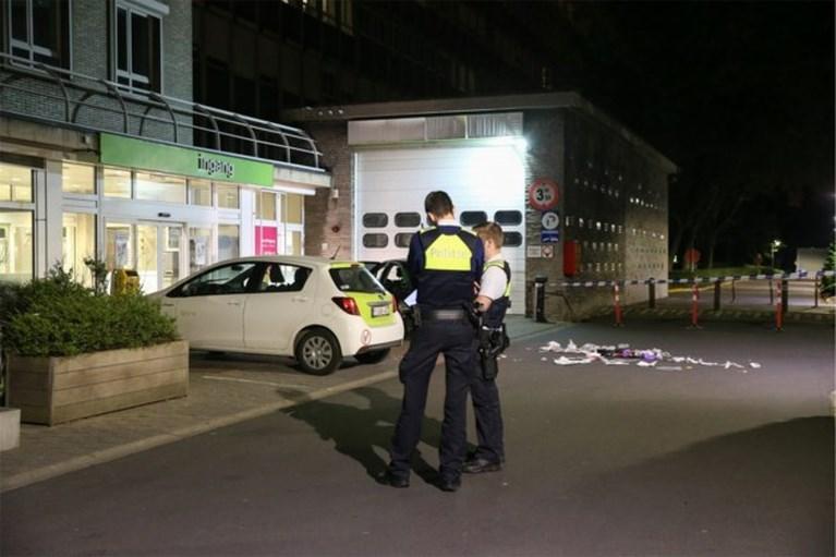 Twee slachtoffers van steekincident gevonden voor ingang van Antwerps ziekenhuis