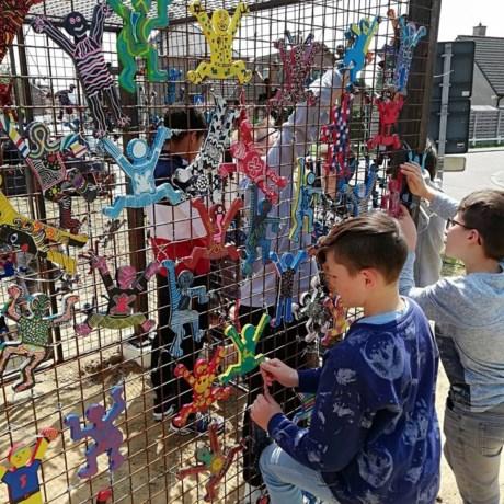 Don Bosco-leerlingen maken kleurrijk kunstwerk