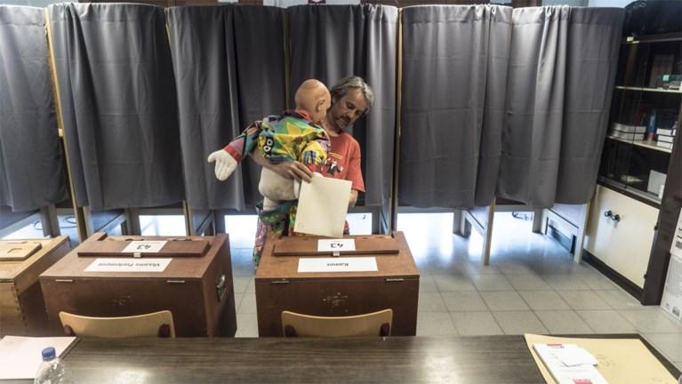 """Gentenaar geeft volmacht aan clown-pop bij verkiezingen uit protest tegen """"circus dat de politiek is geworden"""""""