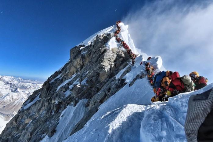 Vlaams-Nepalese ziet hoe mythische berg almaar meer levens eist: files op Mount Everest levensgevaarlijk