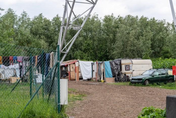 Stad overweegt om Romakamp te verlengen maar buurt ziet caravanbewoners liever gaan dan blijven