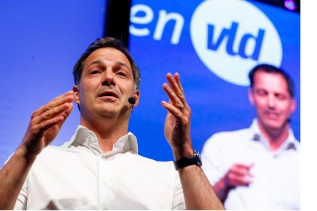 Gwendolyn Rutten (Open VLD) wankelt niet, maar Alexander De Croo gaat op zijn strepen staan