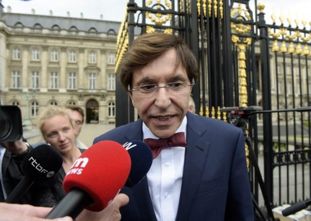 Di Rupo ziet wel een oplossing: een federale regering zonder Vlaamse meerderheid