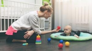 Hoeveel betaal je de babysit? En waar vind je goeie kandidaten? Deze mama's hebben tips