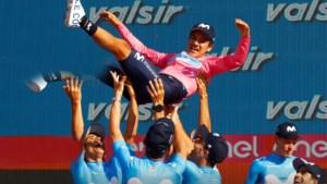 Leegloop dreigt bij Movistar: Ineos trekt aan Giro-winnaar Carapaz, ook andere sterkhouders staan op vertrekken