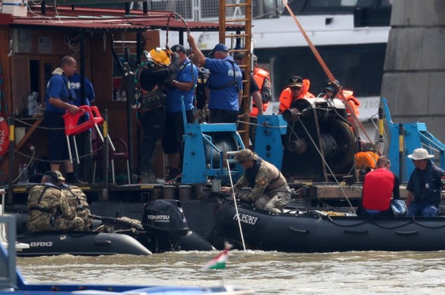 Opnieuw twee lichamen gevonden na schipbreuk van toeristenboot op Donau