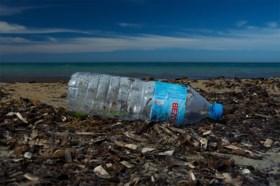 """Elke minuut 33.800 plastic flessen in zee, WWF: """"Gebrekkige afvalverwerking maakt van Middellandse Zee een open riool"""""""