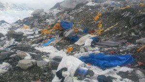 Sherpa's vinden vier lichamen bij opruimen van Mount Everest