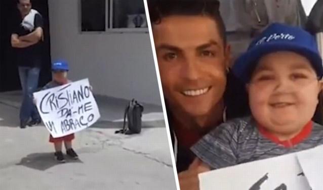 Cristiano Ronaldo toont zijn goed hart voor Nations League-finale: hij laat teambus stoppen voor knuffel met zieke fan
