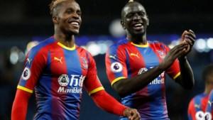 """Spits van Crystal Palace doet boekje open over racisme in het voetbal: """"Bijna elke wedstrijd word ik aap of neger genoemd"""""""