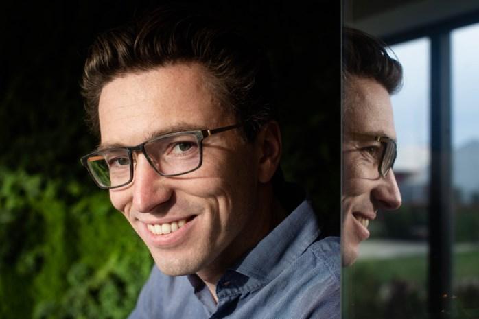 """Jonas startte als 16-jarige bedrijf, sinds deze week is het één miljard waard: """"Ik verzweeg voor mijn klanten dat ik vanuit mijn slaapkamer werkte"""""""