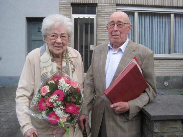 """Rik en Mina zeventig jaar getrouwd: """"We trekken nog goed onze plan"""""""