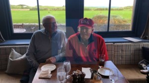 Opvallend kiekje: Leopold Lippens ontmoet … Donald Trump