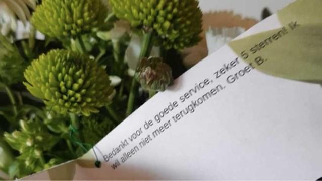 Ex-gevangene stuurt bloemetje naar politie