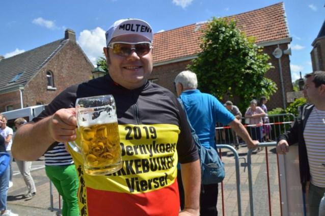 """Wielrenner Stef (27) wint eerste BK Dikke Buiken: """"Je moet minstens 105 kilogram wegen om te mogen deelnemen"""""""