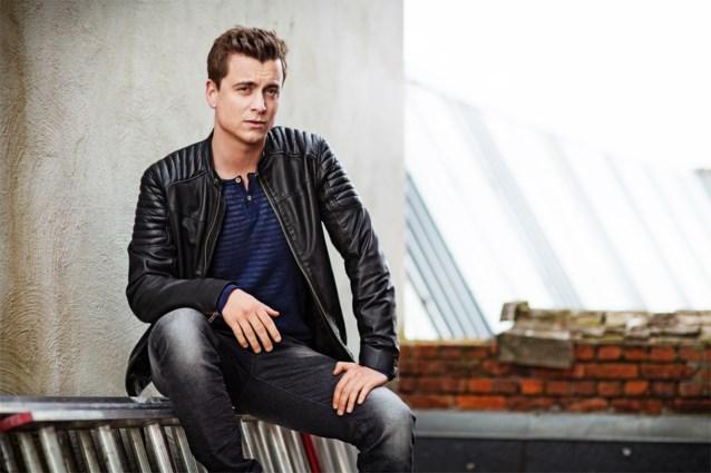 Niels Destadsbader brengt 'Kampioenen'-single uit