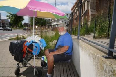 Zieke dakloze (70) mag niet meer slapen in kerkportaal