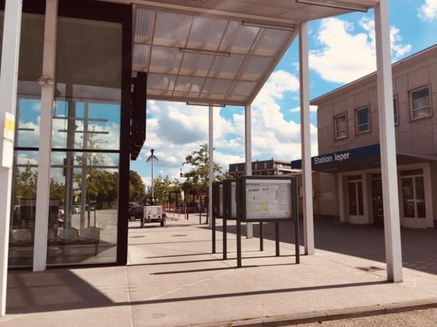 Man overleden na schermutseling met 'Carapilsbende' aan Iepers station