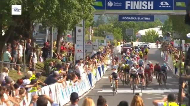 Pascal Ackermann wint eerste etappe in de Ronde van Slovenië