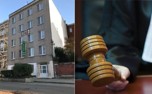 Tienerpooiers en hotelpersoneel vervolgd voor seksuele uitbuiting