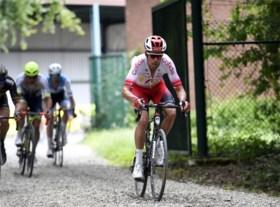 Kenneth Vanbilsen blij met zege in het Hageland, trainingsmaten hadden geen goesting om te reageren