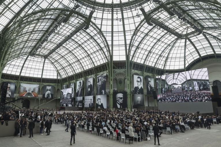 """Pakkend eerbetoon aan Karl Lagerfeld in Parijs: """"Karl forever"""""""