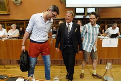 Hét agendapunt in Gent: mag je in korte broek naar de gemeenteraad of niet?