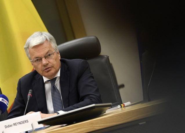 Informateur Didier Reynders gaat drie dagen in buitenland lobbyen voor topjob: waar blijven de kwaaie tweets van politici?