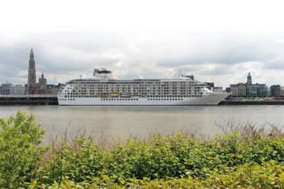 Na petitie tegen vervuilende cruiseschepen countert gemeenteraad de kritiek:  als nieuw ponton aan Scheldekaaien klaar is, moet lidgeld betaald worden