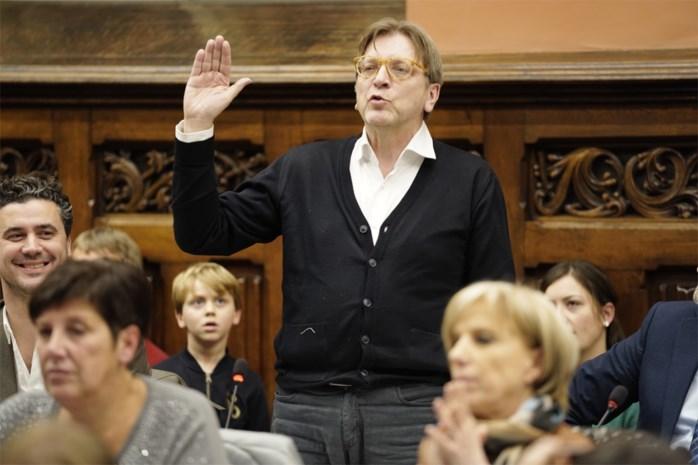 """Verhofstadt geeft alweer verstek voor gemeenteraad. """"Getuigt van weinig respect voor je kiezers"""""""
