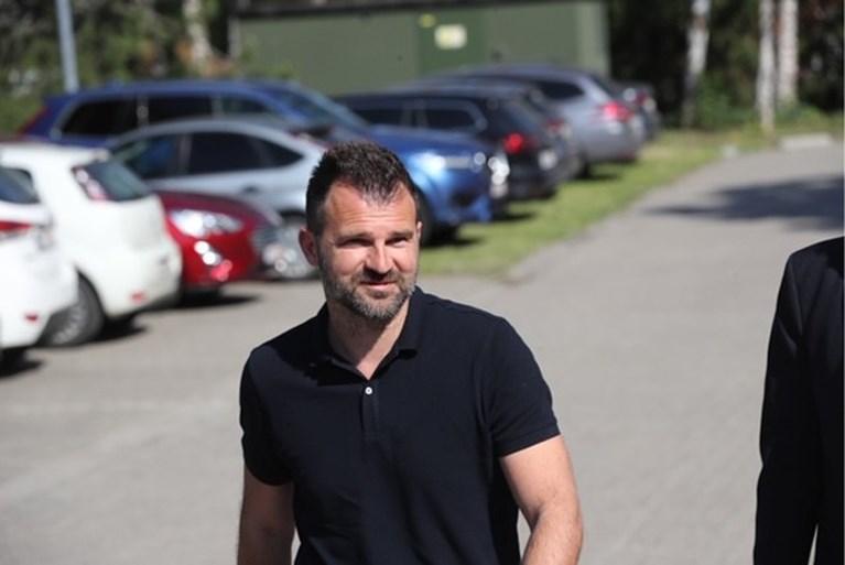 """Leko ontkent alle beschuldigingen na lange ondervraging: """"Onherstelbare reputatieschade"""""""