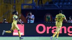 Bizarre ruzie op Afrika Cup: Charleroi-spits naar huis gestuurd na ruzie met ex-aanvaller Club Brugge
