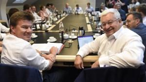 Met zessen rond de tafel in Brussel: formatie officieel van start