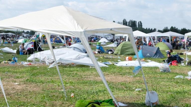 """Festivalgangers blazen aftocht op Rock Werchter: """"Te warm voor seks, dus we hebben wat extra gedronken"""""""
