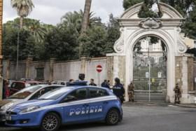 Vaticaan laat twee graven openen in onderzoek naar meisje dat al 36 jaar vermist is