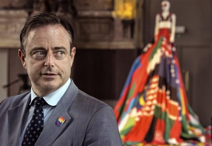 N-VA stelt start van echte regeringsonderhandelingen uit: waarom De Wever op de pauzeknop duwt
