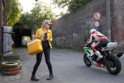 """Veerle Baetens duikt voor nieuwe film 'Rookie' onder in milieu van ronkende motoren: """"Ik heb helemaal niets met motoren"""""""
