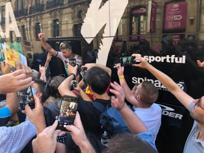 Peter Sagan opvallend scherp (en opvallend populair) bij Tourpresentatie op Grote Markt van Brussel