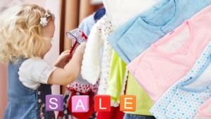 """Op koopjesjacht voor je kinderen? Mama's delen hun tips en valkuilen: """"Oppassen met 'afhalen in de winkel' en de 'laatste stukken'"""""""