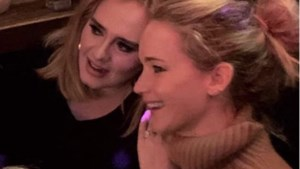 Adele aan de knoppen voor vrijgezellenfeest Jennifer Lawrence