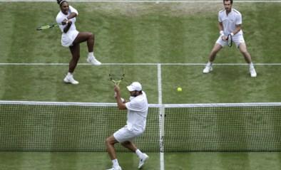 """Andy Murray en Serena Williams blijven winnen in gemengd dubbel, """"MurRena"""" immens populair op Wimbledon"""