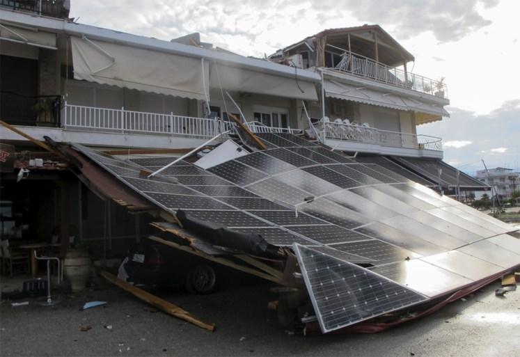 Zes toeristen, onder wie twee kinderen, gedood door tornado in Griekenland